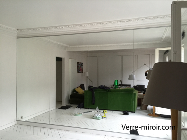 Grand miroir mural sur mesure maison design for Grand miroir salon