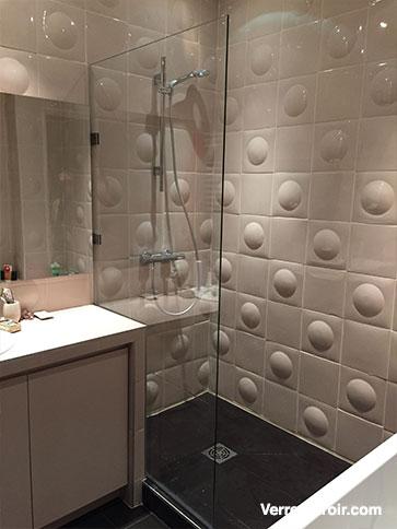 Paroi et porte de douche sur mesure - Pose porte douche verre ...