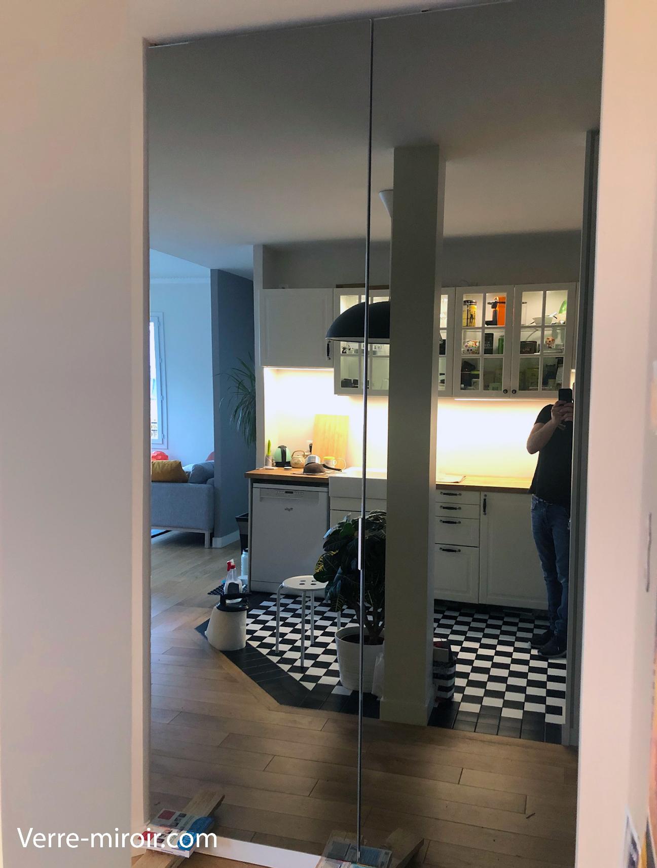 Porte miroir gris