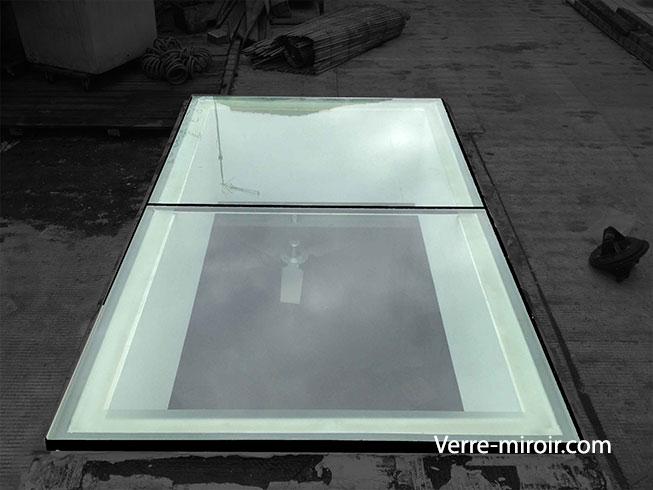 Dalle de sol en verre tri-feuilleté trempé 1