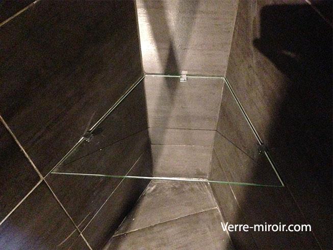 Etagere en verre trempe clair biais
