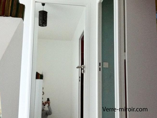 Porte recouverte de miroir