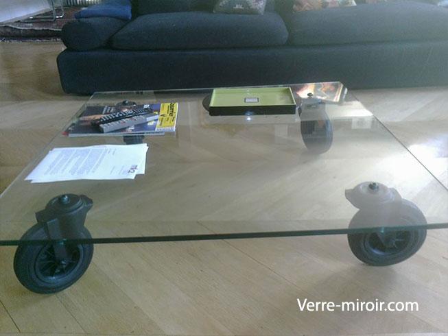 Table basse en verre trempe roue noire