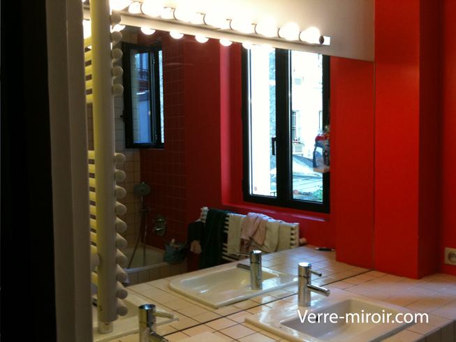 Miroir de salle de bain lumineux